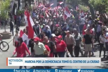 MARCHA POR LA DEMOCRACIA TOMÓ EL CENTRO DE LA CIUDAD