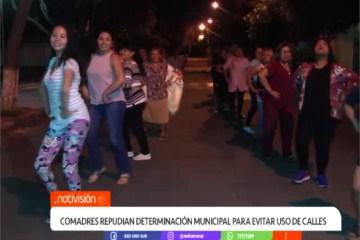 COMADRES REPUDIAN DETERMINACIÓN MUNICIPAL PARA EVITAR EL USO DE LAS CALLES