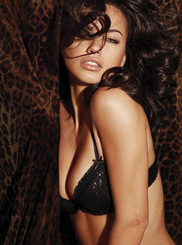 Adriana-Lima-Victorias-Secret-Catalog-February-2012_4