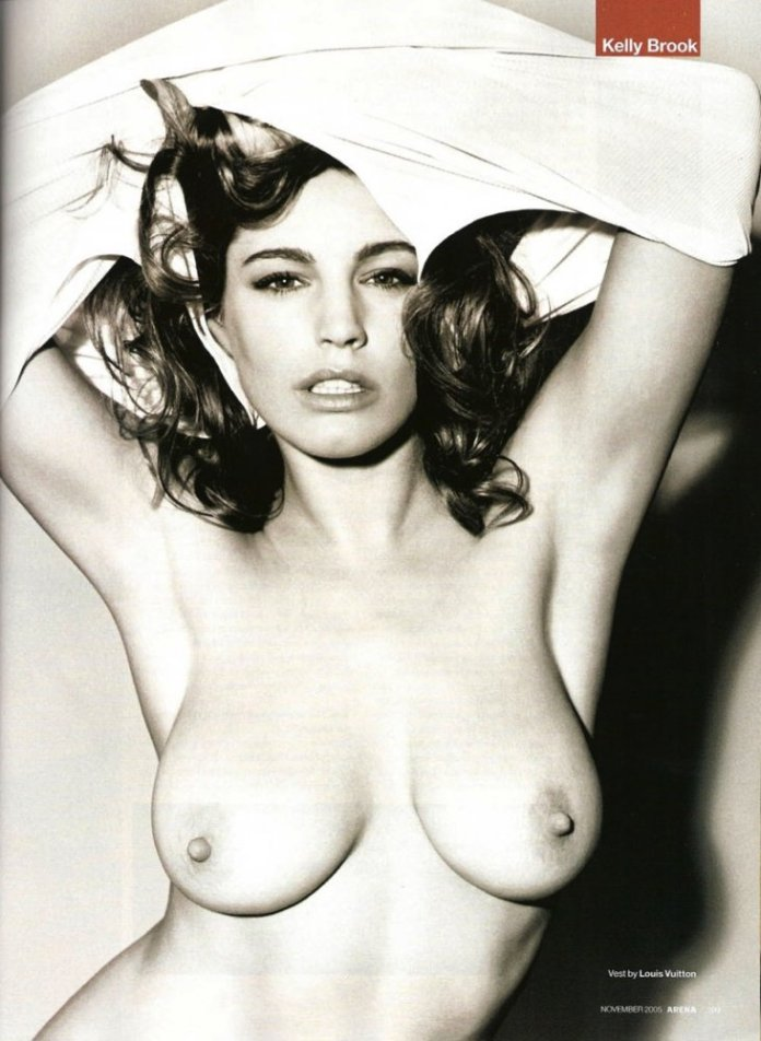 kelly-brook-arena-nude-5
