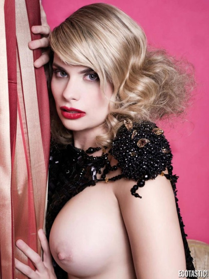 maria-lapiedra-revista-Interviu-agosto-2012-06-600x800