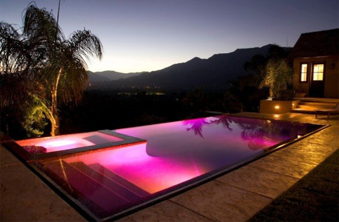 3.-Infinity-pink-pool-with-a-great-view-630x413