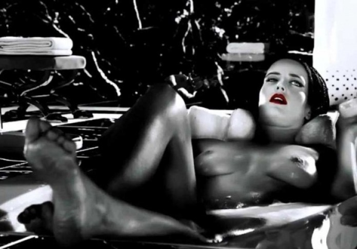 Eva-Green-Topless-in-Sin-City-A-Dame-to-Kill-For-05-580x435