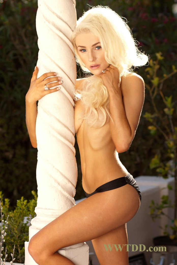 Courtney-Stodden-Naked-New-Weekly-25-760x1140