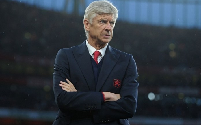 LONDON, ENGLAND - AUGUST 24:  Arsene Wenger the Arsenal Manager before the Barclays Premier League match between Arsenal and Liverpool on August 24, 2015 in London, United Kingdom.  (Photo by David Price/Arsenal FC via Getty Images)