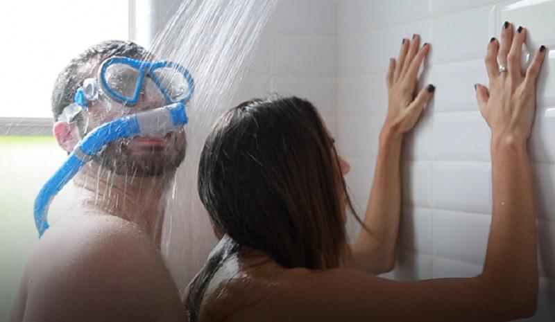Ντους σεξ μέχρι την μπανιέρα
