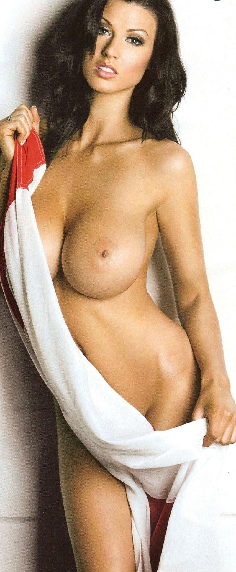 Alice-Goodwin-topless-8