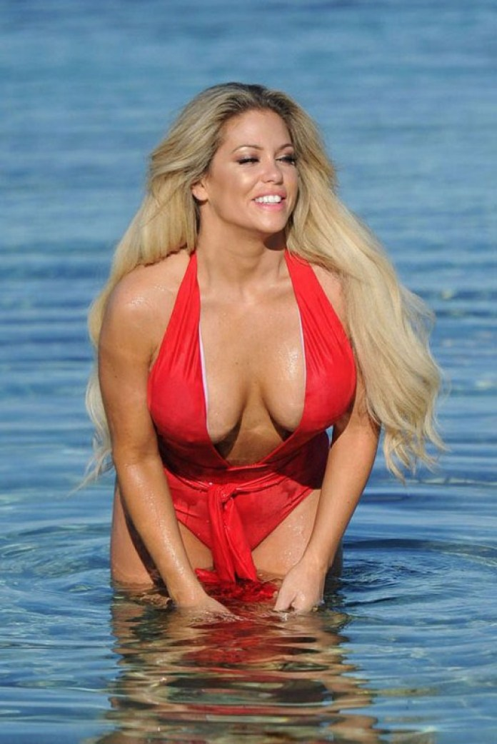 bianca-gascoigne-big-boobs-red-swimsuit-beach-mykonos-kanoni-1