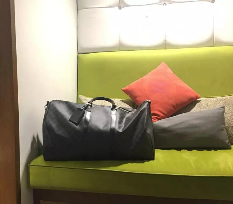 louis vuitton sac de weekend keepall damier 55 pour homme. Black Bedroom Furniture Sets. Home Design Ideas
