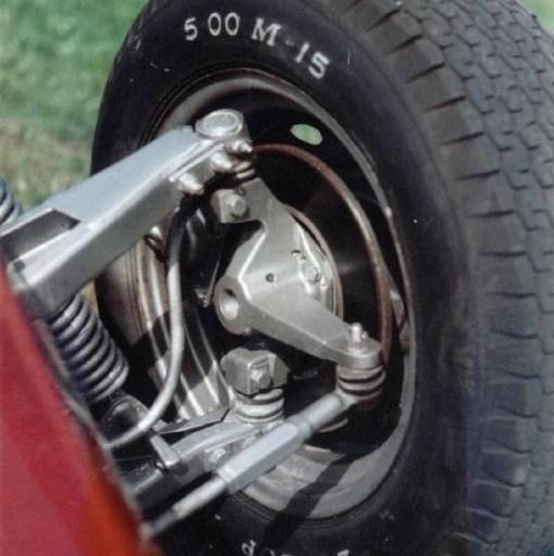 Automobile shock vibration