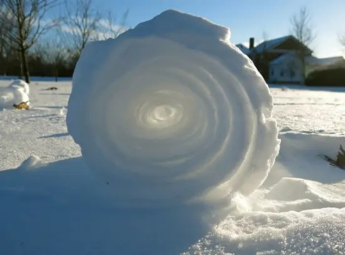 Rolled snow (try this at home!)