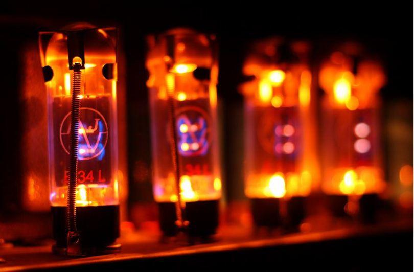 vintage vacuum tubes EL34 power amplifier repair and modify