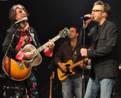 Jeff Boyle performs with Jim Peterik at Peterik's annual World Stage concert.