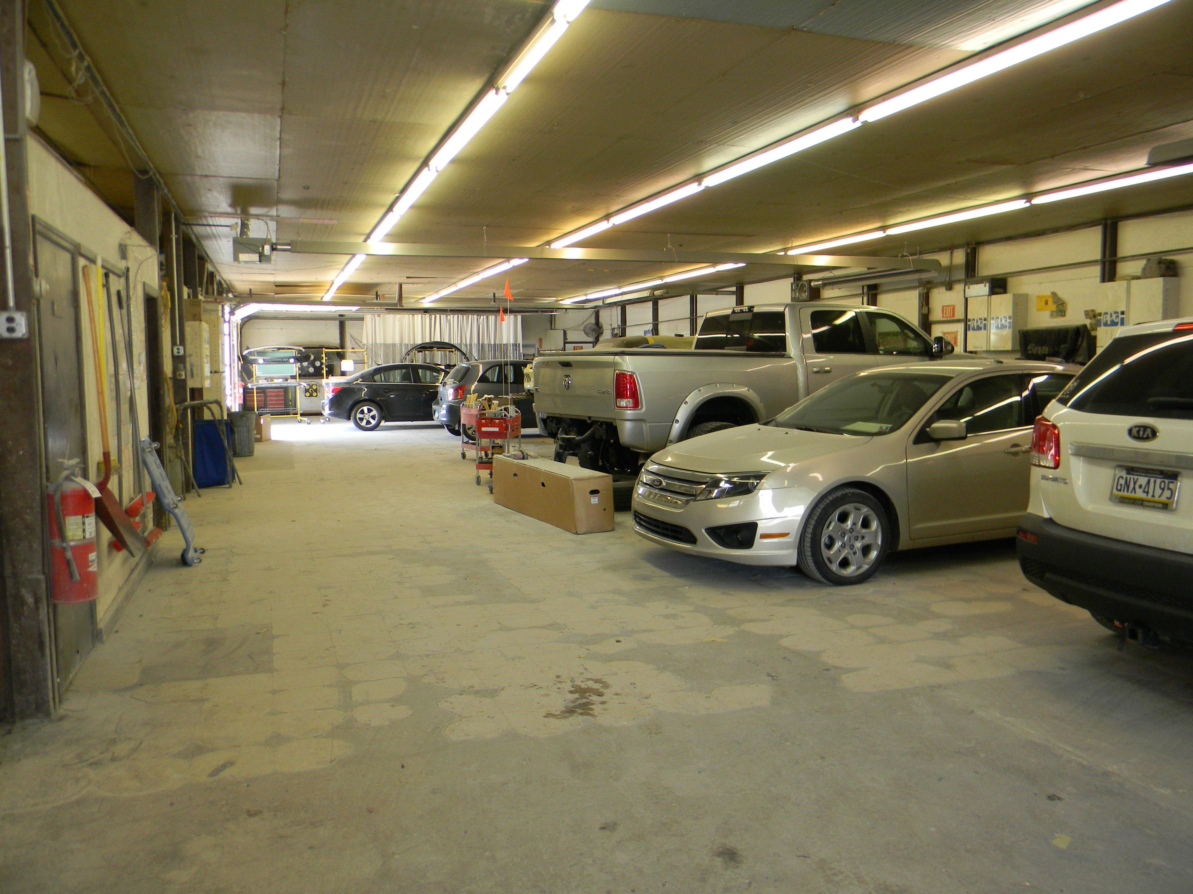 Reesman Body Shop-Vehicle Body Shop