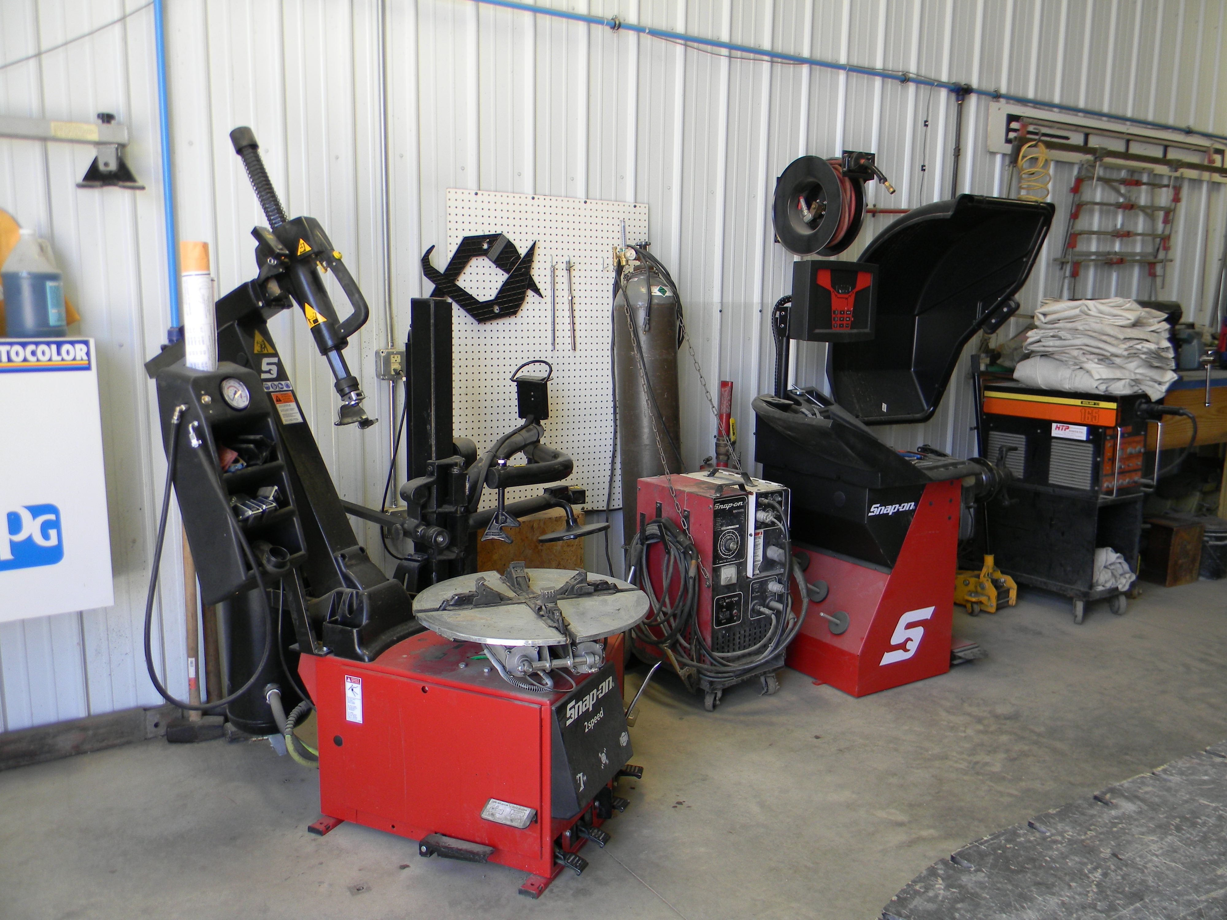 tire balancing & replacement equipment