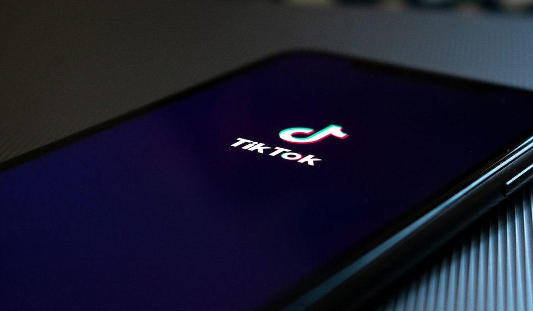 TikTok accusée de censurer le contenu des personnes jugées « laides » ou « pauvres »