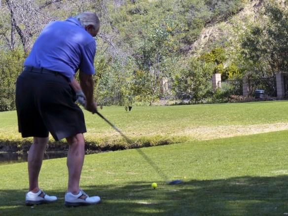 senior-golfing