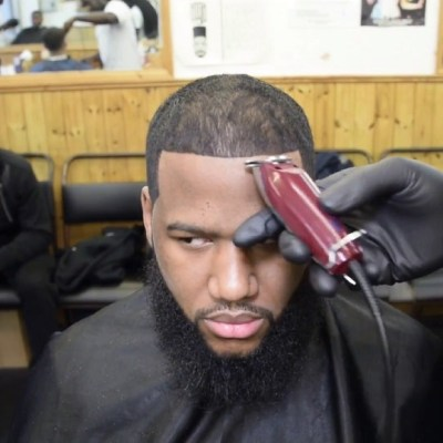 What Do Barbers Use for Shape Ups?