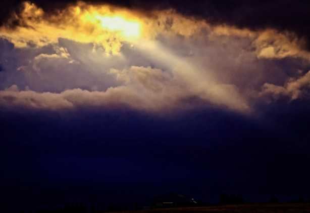 sun_through_clouds_2