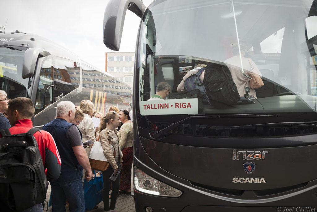 Bus travel from Tallinn to Riga