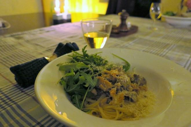 roeget_laks_spaghetti_close