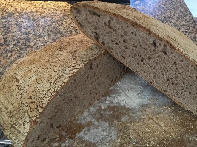 Brød med emmermel