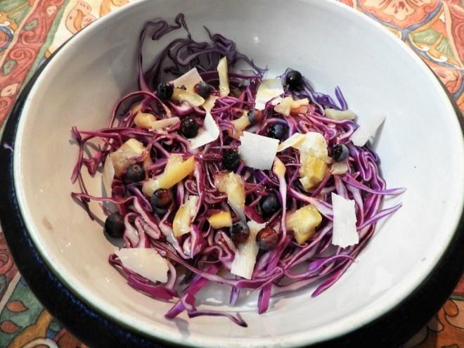 Spidskål-salat