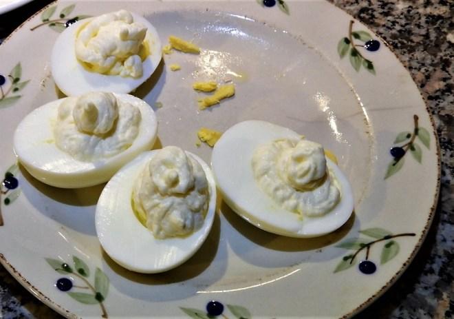 Æg med flødepeberrod