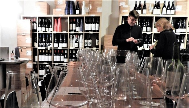 Vinsmagning hos Lars Bo Henriksen, Bichel