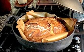 Surdejshvedebrød bagt i gryde
