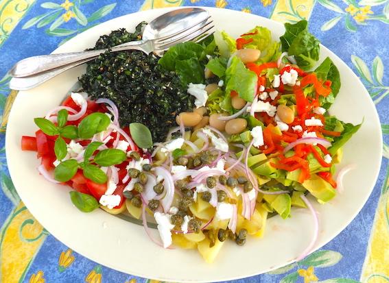 Salatbowl med palmekål og butterbeans