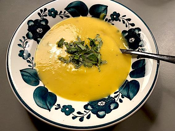 Græskarsuppe, smagfuld og fløjlsblød