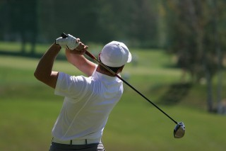 back pain or shoulder pain playing golf sports injury