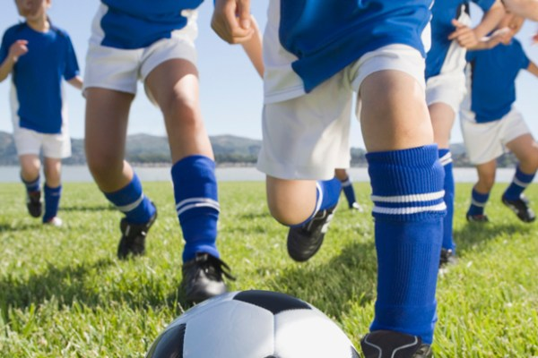 stood schlatters disease is a common cause of childhood knee pain