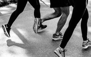 feet and orthotics with running