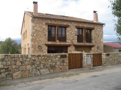 Fachadas de ladrillo y piedra con estilo r stico - Fachadas rusticas de piedra y madera ...