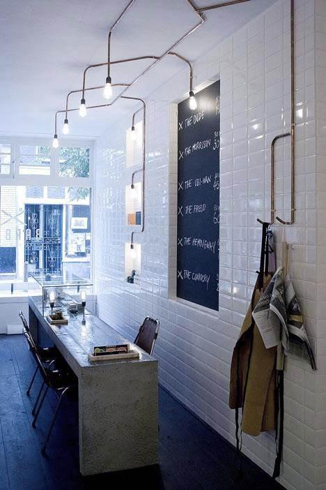 Barber Amsterdam, un local que destaca por su estilo vintage y su cerámica tradicional.