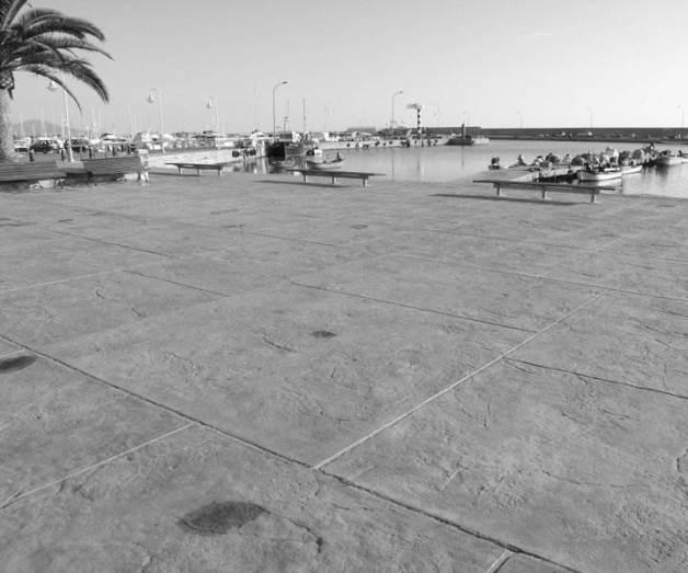 hormigón impreso imitación piedra en un puerto