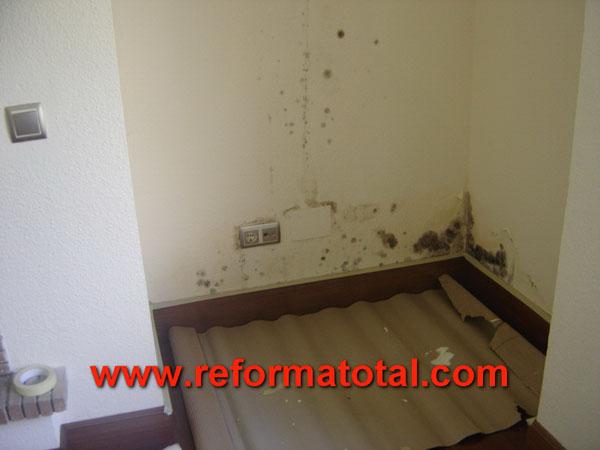 26 02 imagenes reparacion humedad reforma total en - Pintar paredes con humedad ...