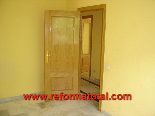 Nuevas reforma total en madrid empresa de reformas y - Pintura puertas madera ...