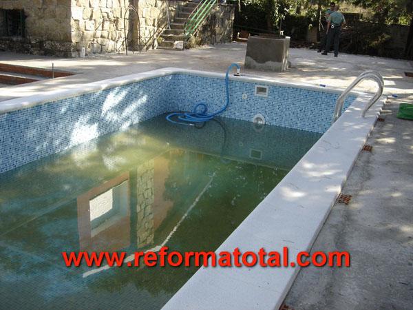 Construcci n reforma total en madrid empresa de for Empresas mantenimiento piscinas