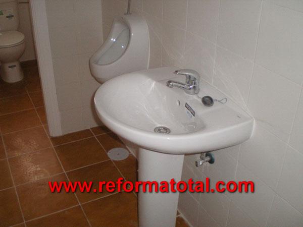 044 013 fotos instalacion lavabo reforma total en - Reformar bano madrid ...