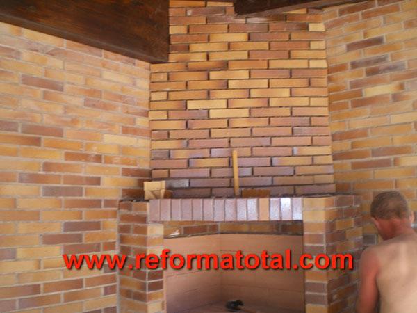 046 08 imagenes construir barbacoa reforma total en for Decoracion de chalets adosados