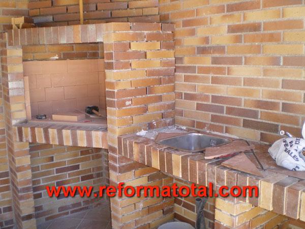 Construccion barbacoa reforma total en madrid empresa - Ladrillos decorativos para exteriores ...