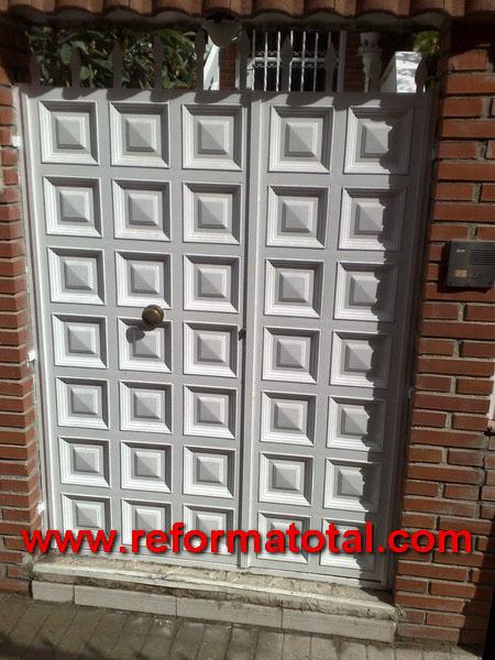 052 13 imagenes cerramientos seguridad reforma total en - Puertas exterior metalicas ...