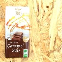 Die neuen 40 Gramm Schokoladentäfelchen von gepa sind fair und – nach einigen Tests – sehr, sehr wohlschmeckend. I like! Besonders Caramal-Salz.