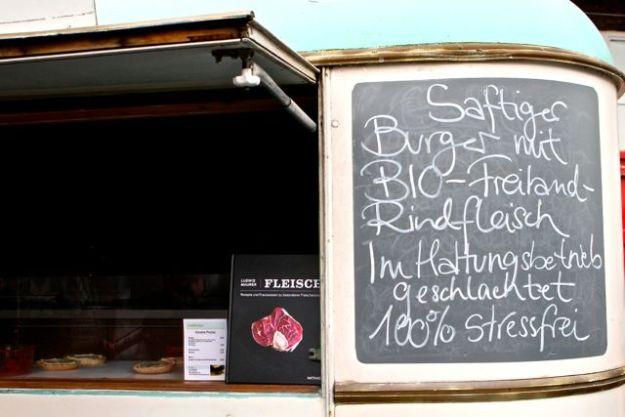 Goldburger: Das Fleisch stammt von Tieren, die im Herdenverband betäubt und per Kugelschuss auf der Weide getötet werden
