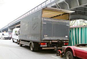 Um über die Runden zu kommen, verkaufen die Kochs in Hamburg, Lüneburg, Neugraben