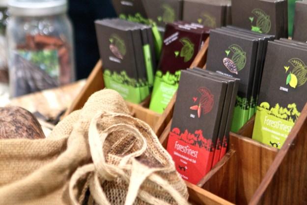 ForestFinest ist die Schokolade von ForestFinance - auf deren Homepage erfährst du mehr (wenn du z.B. dem Klimawandel begegnen willst)