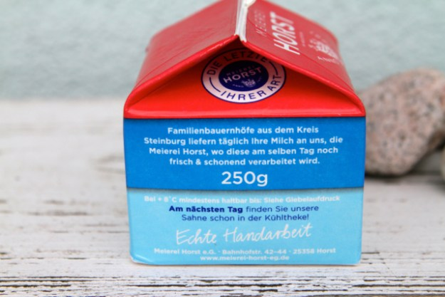 Wärmebehandelt, aber nicht homogenisiert: Sahne aus tagesfrischer Milch von der Meierei Horst